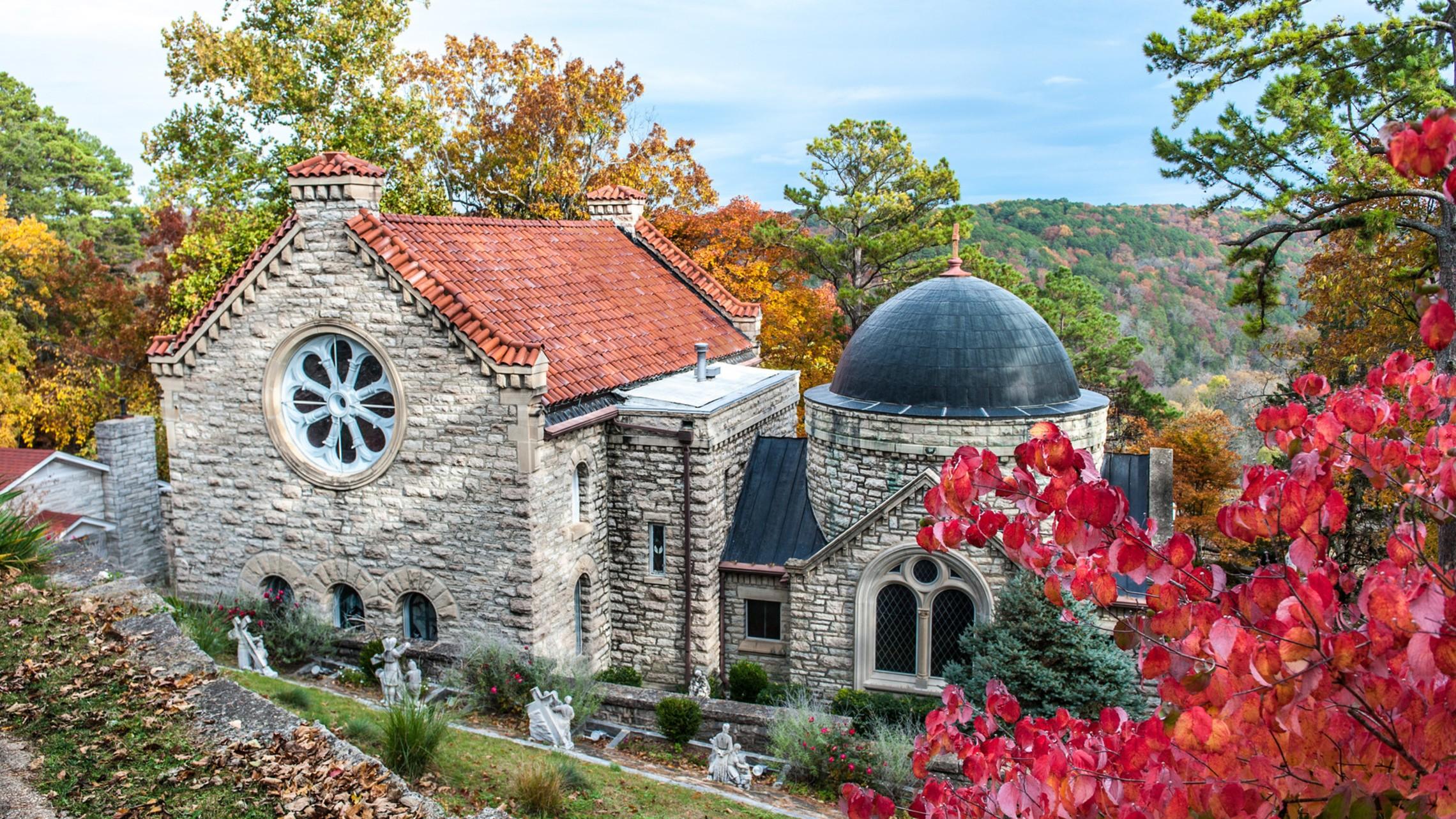 Church In Fall 1920 X 1080